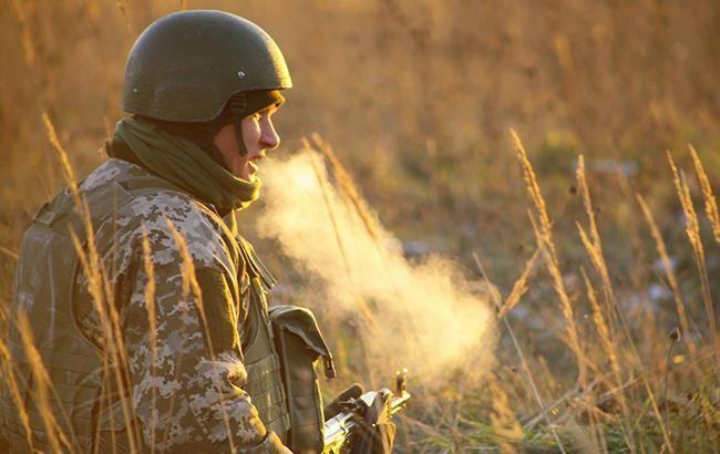 На Донбассе боевики 4 раза обстреляли силы АТО из запрещенного оружия, - штаб