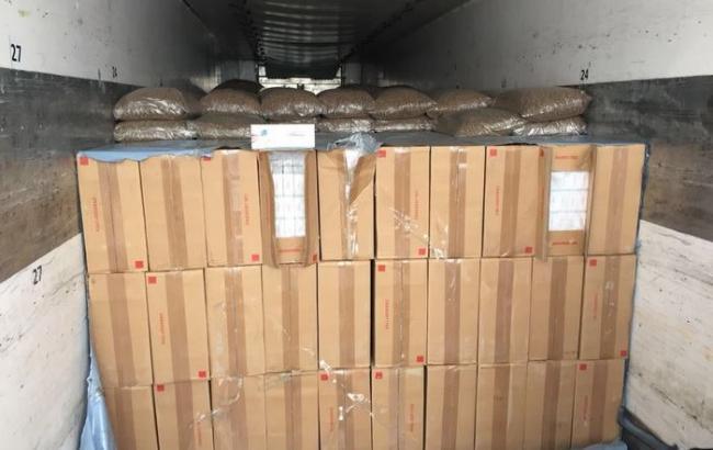 В Ровенской области СБУ изъяла партию контрабандных сигарет на более  100 тыс. долларов