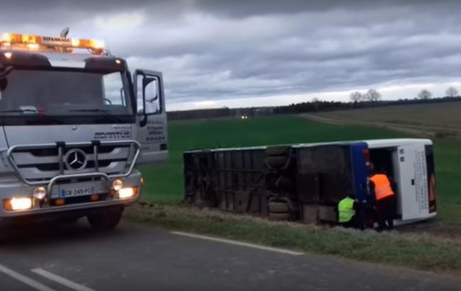 ДТП со школьным автобусом во Франции: пострадали 22 ученика