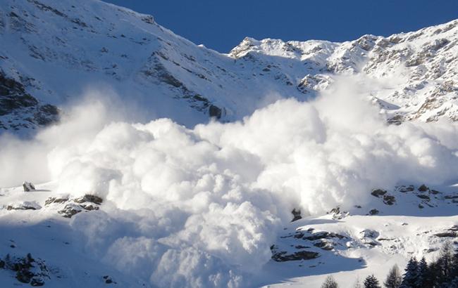 Синоптики предупреждают о значительной снеголавинной опасности в Карпатах