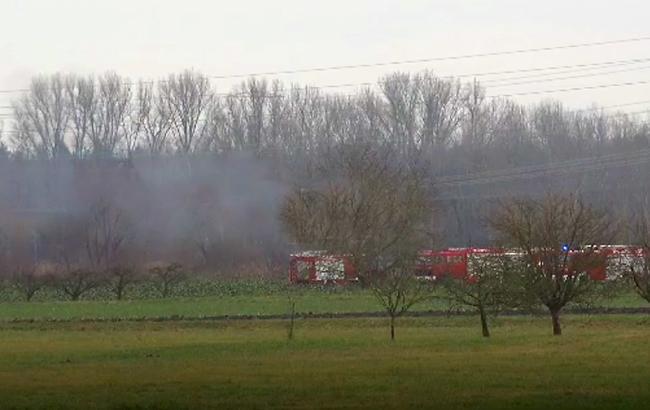 В небе над Германией столкнулись самолет и вертолет, есть погибшие