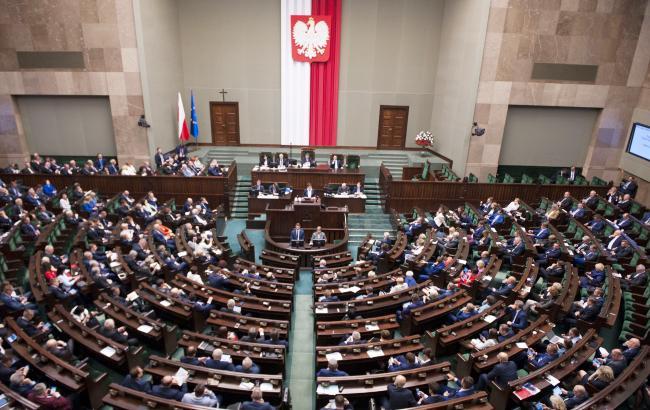МИД Украины обеспокоен законом Польши о