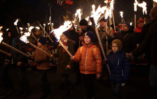 Полиция подсчитала число участников факельного шествия в честь Бандеры в Киеве