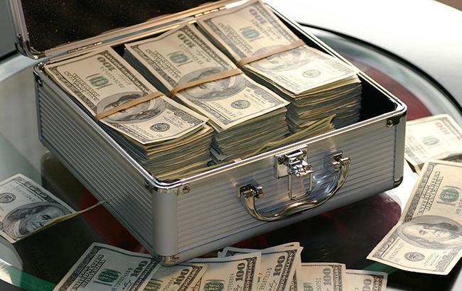 Курс доллара на межбанке на 12:30 повысился до 28,27 гривен/доллар