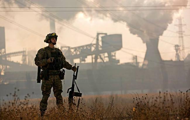 За сутки в зоне АТО ранены трое украинских военных