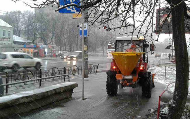Синоптики предупреждают о гололедице на дорогах Киева 20-22 января