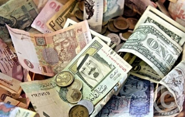 Курс доллара на межбанке на 10:30 уменьшился до 28,63 гривен/доллар