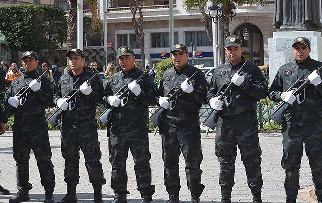 Правительство Туниса задействовало армию из-за протестов против повышения цен и налогов
