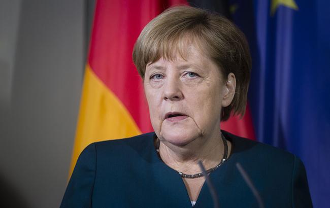 ЕС должен стать сплоченнее и быстрее в принятии решений, - Меркель