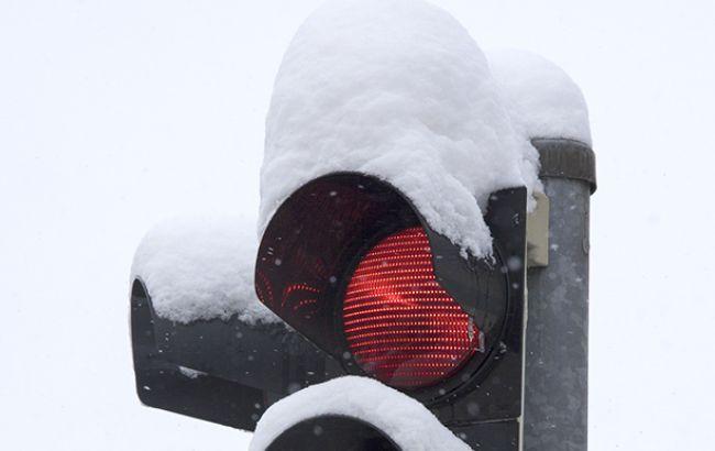 В результате сильных снегопадов в Чехии произошло более сотни ДТП