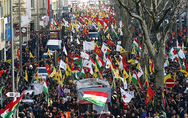 В Германии тысячи курдов протестуют против политики Эрдогана