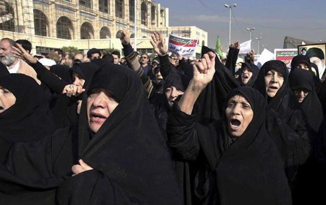Протесты в Иране: убит первый полицейский