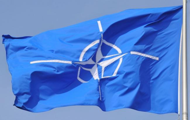 Корабли НАТО проводят совместные маневры в Черном море