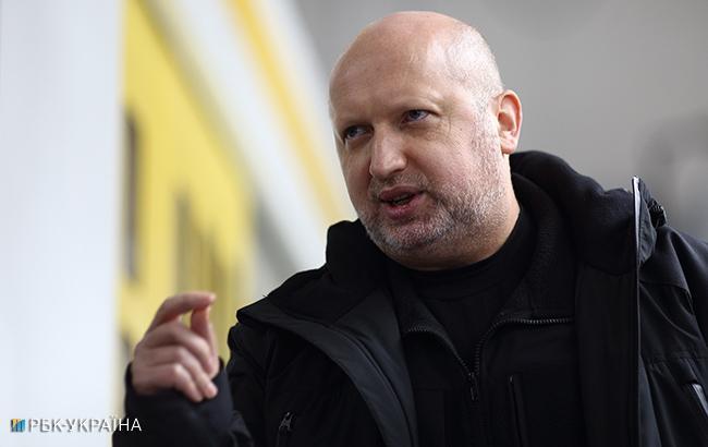 Турчинов заявил, что не будет возглавлять штаб Порошенко на выборах в 2019
