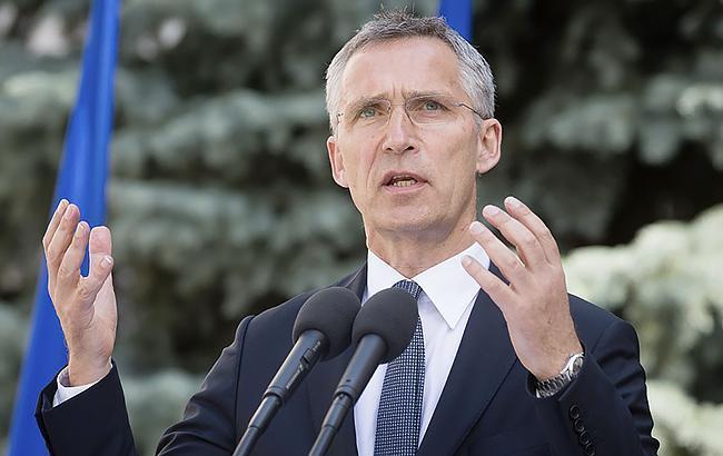 Столтенберг призвал Украину и Венгрию найти решение