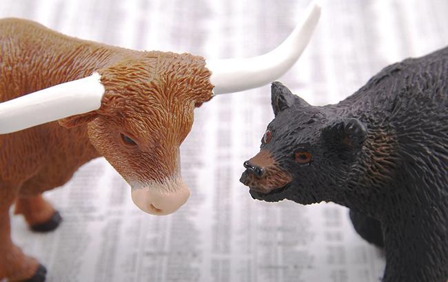 Мировые фондовые индексы обвалились почти на 5%