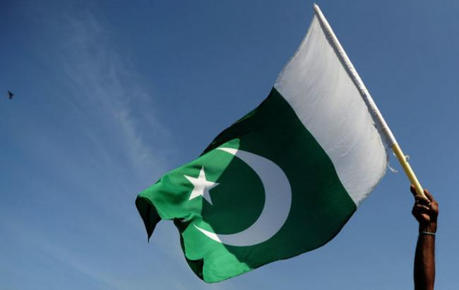 В Пакистане погибли 11 солдат из-за нападения смертника