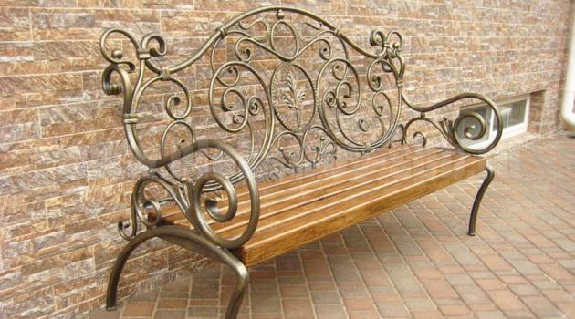 Ковані елементи в оформлення саду - стильно і оригінально в будь-яку епоху