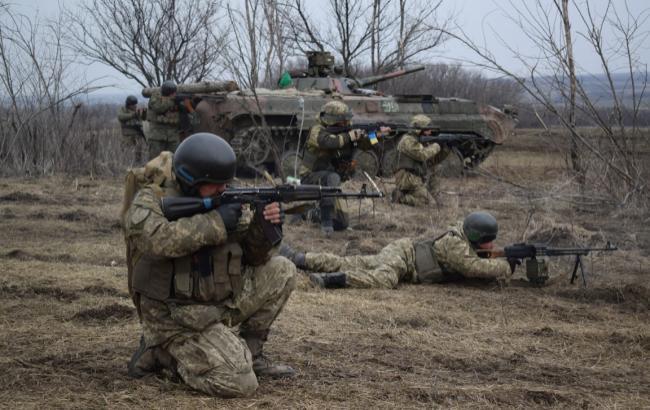 Боевики за сутки 4 раза обстреляли силы АТО на Донбассе, - штаб