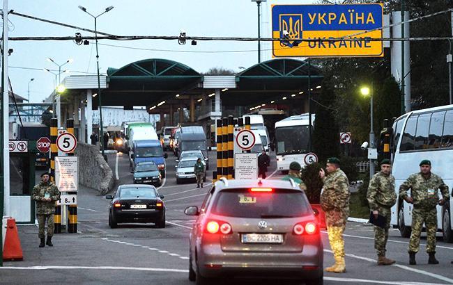 Завтра может быть заблокировано движение на трех пунктах пропуска на границе с Польшей