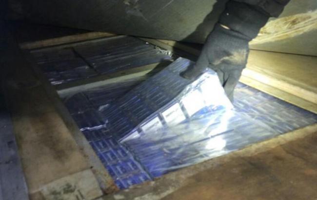 На границе задержали 26 000 пачек контрабандных сигарет