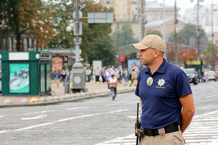 Крестный ход в Киеве: взрывотехники и кинологи проверили маршрут паломников