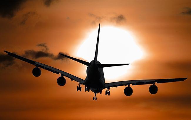 В Индонезии пропал самолет с девятью людьми на борту