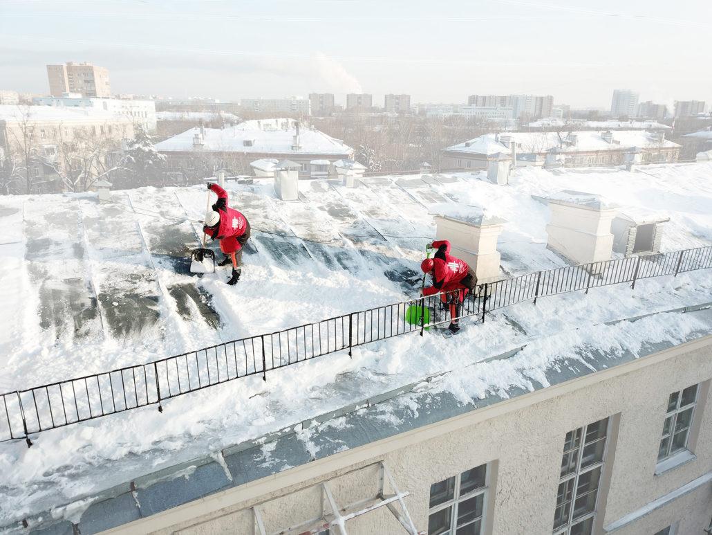 Лучшее решение для крыши зимой – очистка от снега и льда