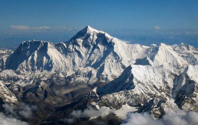 В Непале в результате снежного шторма погибли 8 альпинистов