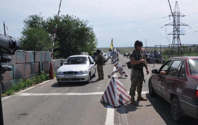 Линию разграничения за сутки пересекли более 49 тыс. жителей Донбасса