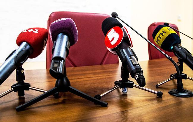 Украинцы разделились в вопросе языковых квот на радио и ТВ