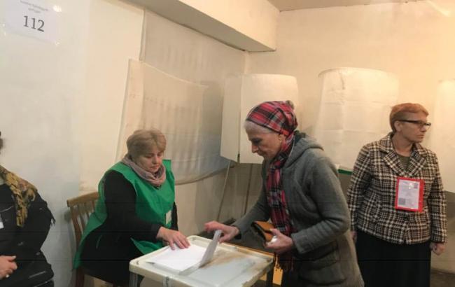 Президентские выборы в Грузии: экзитполы разошлись в прогнозах