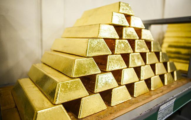 НБУ повысил курс золота до 345,2 тыс. гривен за 10 унций