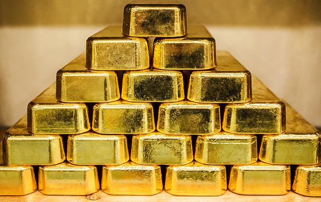 НБУ понизил курс золота до 345 тыс. гривен за 10 унций