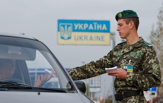 В Волынской обл. правонарушитель автомобилем наехал на пограничника