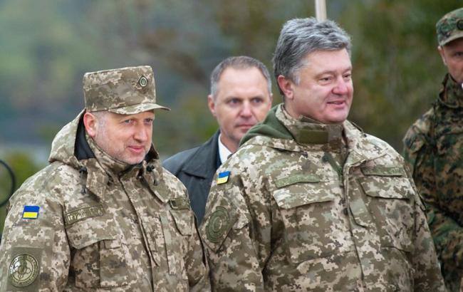 Украина выставит боевые бригады вдоль границы, - Порошенко