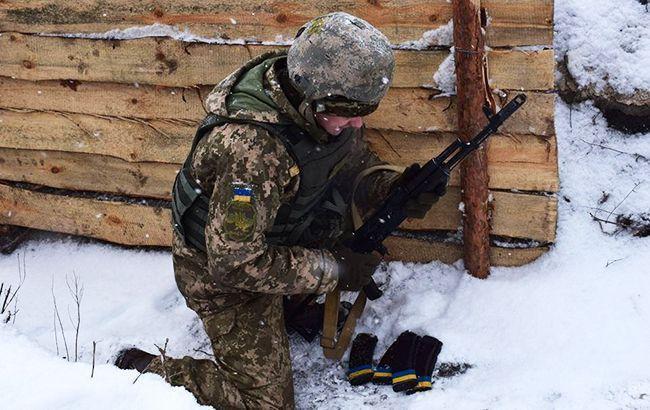 В ходе боевых действий на Донбассе пострадали двое украинских военных, - Минобороны