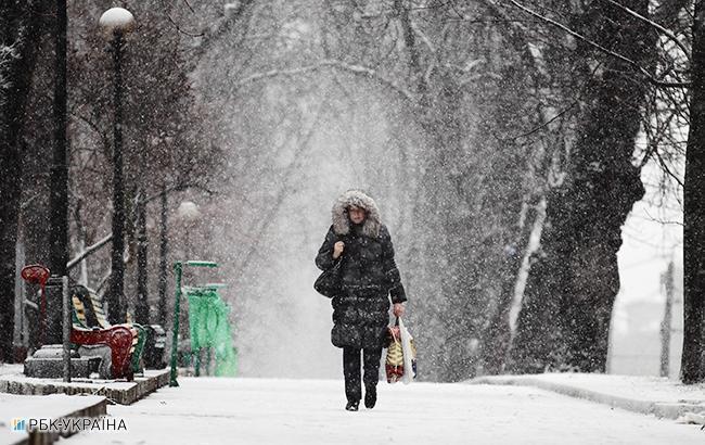 Киевлян просят не пользоваться собственными машинами из-за снегопада
