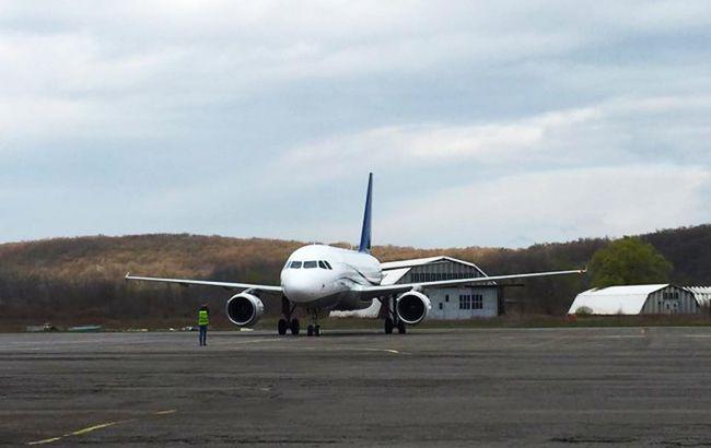 Аэропорт Ужгорода должен возобновить работу в 2018 году, - Омелян