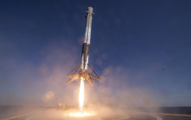 Ступень ракеты Falcon 9 упала в океан