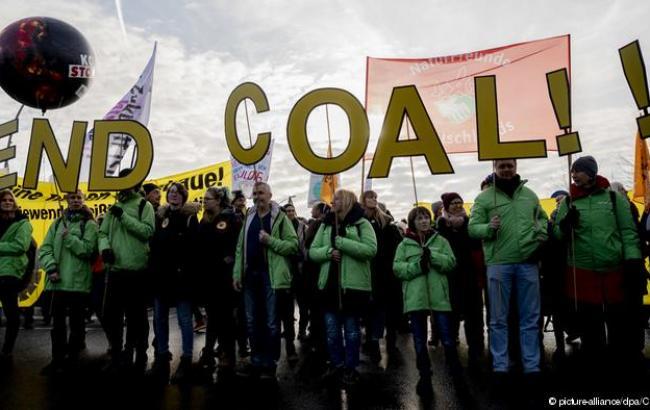 В Германии тысячи граждан протестуют против угля в энергетике