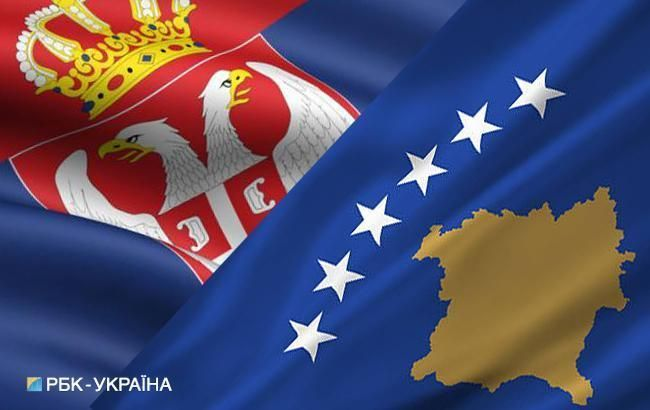 Сербские депутаты заблокировали парламент Косово из-за пошлин