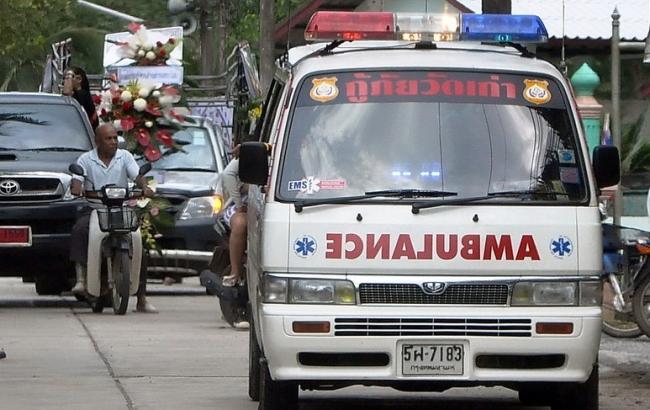 В Индии автобус упал в ущелье, 12 человек погибли