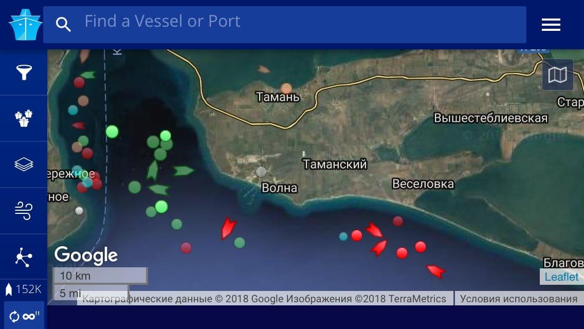 В Черном море село на мель судно, заходившее в порт аннексированного Крыма