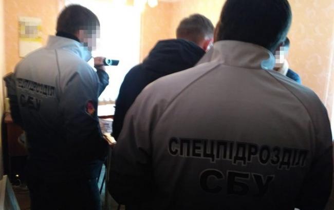 СБУ задержала на взятке чиновника Государственной исполнительной службы в Николаевской области
