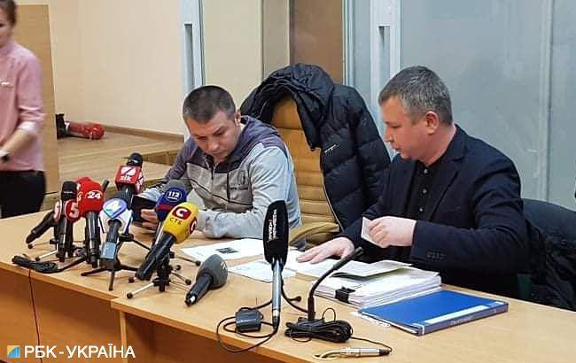 Суд отстранил от должности полицейского, который бил активистов