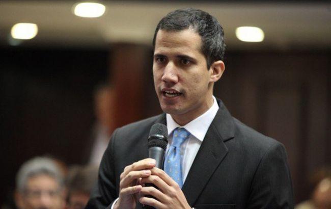 Гуайдо обратился к Папе Римскому за помощью в урегулировании ситуации в Венесуэле
