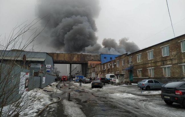 Пожар в Киеве: спасатели предупреждают об угрозе обвала