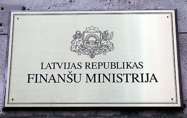 В Латвии хотят ограничить операции с наличными