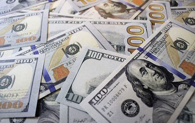 Межбанк открылся небольшим снижением курса доллара